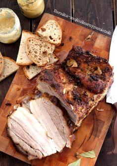 Aromatyczny pieczony boczek | Bernika - mój kulinarny pamiętnik Kielbasa, Aga, Camembert Cheese, Sandwiches, Pork, Food And Drink, Bread, Chicken, Dinner
