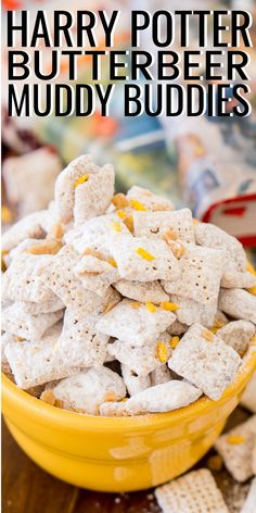 Harry Potter Butterbeer Muddy Buddies are made with rice Chex cereal, butterscotch, butter, toffee, and powdered sugar for a sweet and delicious snack! Chex Mix Recipes, Snack Recipes, Dessert Recipes, Cooking Recipes, Appetizer Recipes, Sweet Recipes, Harry Potter Snacks, Harry Potter Butterbeer, Harry Potter Recipes