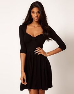 ASOS Skater Dress With Sweetheart Neck  €34.73 NOW €24.31
