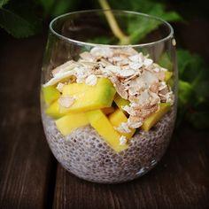 HANDELSHUSET HETTE — Chiapudding med mango og økologisk superfrø mysli...
