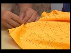 Cojines Drapeados con Irais Alvis 2/5 - YouTube Hand Embroidery Videos, Hand Embroidery Flowers, Hand Embroidery Designs, Valance Patterns, Smocking Patterns, Diy Hair Bows, Diy Bow, Sewing Hacks, Sewing Tutorials
