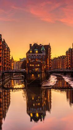 Last Minute Reisen, Playlists, Helsingor, Hamburg Germany, Us Travel, Wonders Of The World, New York Skyline, City Photo, Sunset