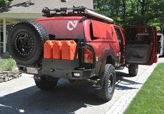Nice rear bumper and roof rack on this Toyota Tacoma.