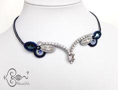 ソウタシエ・ネックレス Soutache Necklace by KaoriNa. Soutache Necklace, Earrings, Shibori, Amazing, Russia, Crafts, Fashion, Necklaces, Accessories