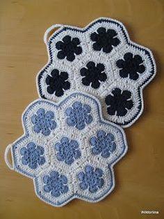 Wiktoriinan villat: Afrikankukka-pannulappuja Pot Holders, Knit Crochet, Villa, Blanket, Knitting, Dishcloth, Crocheting, Chrochet, Ganchillo
