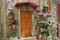 Door of the day  www.cookintuscany.com  #italy #cooking #school #cookintuscany #tuscany #montefollonico #culinary #montepulciano #italy #class #schools #classes #cookery #cucina #travel #tour #trip #vacation #pienza #florence #siena #cook #tuscan #cortona #pienza #pasta #iloveitaly #allinclusive #women #underthetuscansun #wine #vineyard #church #vino #italyiloveyou