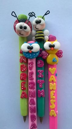 Polymer Clay Projects, Polymer Clay Creations, Polymer Clay Art, Diy Clay, Clay Crafts, Clay Pen, Pencil Toppers, Book Markers, Cute Clay