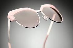 Pretty in pink and retro chic. Dsquared sunglasses.