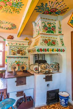 Home Remodel Fixer Upper via ilvic (Painted Village - Zalipie Poland) Polish Folk Art, Bohemian Kitchen, Polish Pottery, Home Remodeling, Painted Furniture, Sweet Home, Shabby, House Design, Interior Design