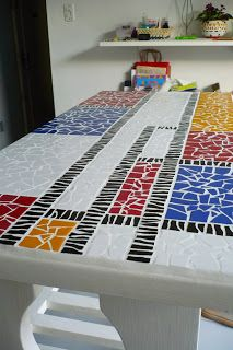 I could use this pattern on my cinder block planter. Mosaic Tile Art, Mirror Mosaic, Stone Mosaic, Mosaic Glass, Tile Crafts, Mosaic Crafts, Mosaic Projects, Piet Mondrian, Mosaic Designs