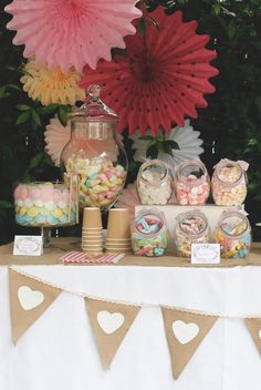 Decorating a party and Candy Bar in a garden in Barcelona - communion - Candy Bar Party, Candy Bar Wedding, Candy Table, Candy Buffet, Candy Bar Comunion, Bar A Bonbon, Sweet Corner, Candy Cart, Sweet Bar
