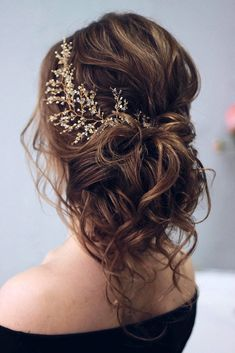 wedding hair accessories bridal hair accessories to inspire hairstyle curly updo with branch annamelostnaya via Flower Crown Hairstyle, Crown Hairstyles, Bride Hairstyles, Updo Hairstyle, Hairstyle Ideas, Flower Hair, Messy Wedding Hairstyles, Bridal Hair Flowers, Flower Crown Wedding