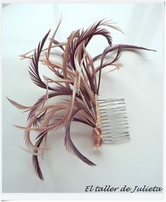 I am totally making one of these! Fascinator Diy, Feather Fashion, Hair Jewels, Costume Shop, Diy Hair Accessories, Headpiece Wedding, Hair Ornaments, Derby Hats, Headdress