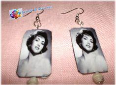 Realizzati con cartoncino e immagine di Sophia Loren