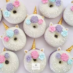 pretty-sweet-vintage - Unicorn Donuts This idea is great for our next unicorn party! All Unicorn party guests will be happ - Party Unicorn, Diy Unicorn, Unicorn Themed Birthday Party, Unicorn Foods, Unicorn Baby Shower, 1st Birthday Parties, Birthday Party Decorations, Birthday Cupcakes, Unicorn Donut