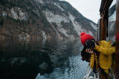 Ihr habt die Bilderflut bereits auf Instagram gesehen, nichtsdestotrotz gibt es noch einen richtigen Blog Post zu unserem Kurztrip in den Berchtesgaden National Park. Anfang Dezember habe ich Max vom Dariadaria Team eingepackt und wir sind zusammen in den Nationalpark Berchtesgaden gefahren. Grund dafür war, dass ich im Internet auf Fotos vom Obersee, Hintersee und der Eiskapelle Watzmann Read More