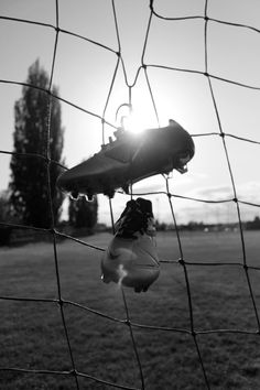 Soccer Shoot, Soccer Pro, Play Soccer, Soccer Ball, Indoor Soccer, Football Pictures, Sports Photos, Soccer Backgrounds, Nike Football Boots
