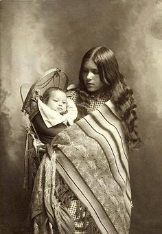 Native American mother and child. 1902. Source - New York Public Library.