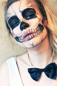 This look is inspired by the Lady Gage skeleton look in the 'Born this Way' video! It's also the look I wore to the Daily Mix Halloween par. Cool Halloween Makeup, Halloween 2015, Halloween Skull, Scary Halloween, Halloween Costumes, Katie Snooks, Karneval Diy, Horror Make-up, Makeup Illustration