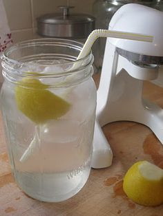 5 Reasons to Drink Lemon Water in the Morning - (1) It balances pH (2) Keeps skin clear & glowing (3) Kick starts the digestive system (4) Helps with weight loss (5) Helps control the coffee habit - Squeeze 1/2 lemon into 24 oz Mason jar, add ice, and fill to top with water! (use a straw to keep the acidic lemon off your teeth) @My Well-Being Powered by Humana