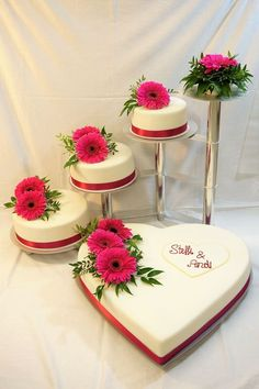 (notitle) - To be confirmed - Wedding Cake Decorating Piping, Creative Cake Decorating, Beautiful Wedding Cakes, Beautiful Cakes, Heart Shaped Wedding Cakes, Strawberry Roll Cake, Bolo Floral, Different Types Of Cakes, Amazing Food Art