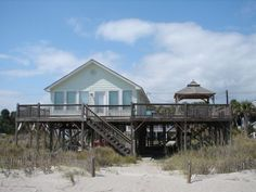 Edisto Realty - Decked Out - Beachfront - Edisto Island, SC