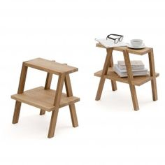 """Gelegentlich lassen sich Möbelhersteller wie IKEA von den Entwürfen kleiner Hersteller """"inspirieren"""". Bei uns lief es umgekehrt: Gerhardt Kellermann hat sich beim Einrichten seines ersten/eigenen Studios vom Tritthocker BEKVÄM inspirieren lassen, mit dem klaren Vorsatz, es besser zu machen. Sein Entwurf AEKI (bitte rückwärts lesen) ist vieles in Einem: Beistelltisch, Tritthocker, Nachttisch, vor allem aber eine gelungene Skulptur, ähnlich einem dreidimensionalem Buchstaben. Material: Eiche…"""