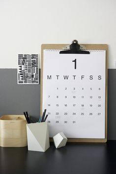 Beautiful way to display a calendar - not a note-taking pad with some multidimensional objects and graphic notes ☆Soortgelijk klembord bij vierjehuis. Social Media Channels, Social Networks, Social Media Tips, Calendrier Diy, Best Time To Post, Diy Papier, Planner, Blog Tips, Business Tips