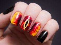 If Style Could Kill: Eye of Sauron Manicure    Not gonna lie- I would totally do this for the premier of the Hobbit