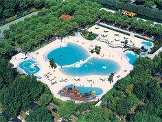 Norcenni Girasole Club In Figline Valdarno Toscana Meer Bekijken Bungalows Plaatsen Om Te Bezoeken Vakantie Venetie Italie Zomerse Reizen Kamperen