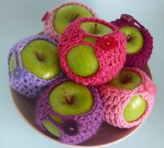 Pretty up your fruit bowl with this set of 6 by threemagicsheep.