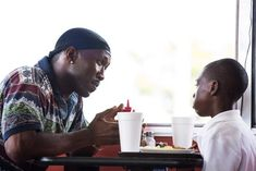 Mahershala Ali ('Moonlight') is the Oscar frontrunner for Best Supporting Actor with odds from Experts Oscar Best Picture, Best Picture Winners, Movies Showing, Movies And Tv Shows, Toni Erdmann, Oscar 2017, Le Cri, Mahershala Ali, Bon Film