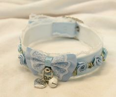 Blue bell, rose and lock heart collar