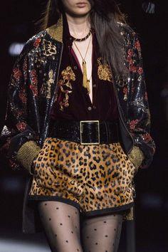 Saint Laurent Fall 2019 Ready-to-Wear Fashion Show - Vogue Fashion Week, Paris Fashion, Runway Fashion, Fashion Models, High Fashion, Fashion Show, Fashion Outfits, Womens Fashion, Fashion Design