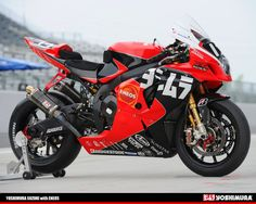 Racing Cafè: Yoshimura GSX-R 1000 K10 8 Hours Suzuka 2010