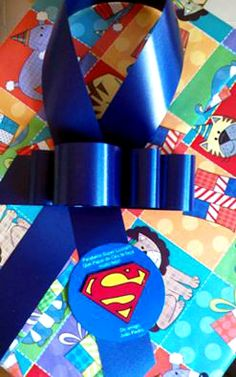 Produto: Cartão de anversário Tema: Superman Excelente ideia: um cartão personalizado para entregar junto ao presente daquela pessoa querida.