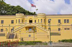 Es el museo nacional de Costa Rica. Aprende sombre Costa Rica!