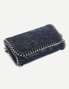 Crossbody m. Popular Bags, Girls Bags, Small Leather Goods, Fashion Handbags, Pu Leather, Purses And Bags, Zip Around Wallet, Fashion Accessories, Chain