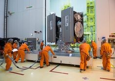 Space in Images - 2015 - 03 - Galileo satellites moved to S3B building