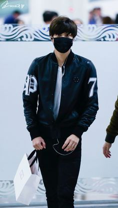 Kai.. Really?... You must know masks drive me crazy.. adding you to the mix in those skinny jeans just sky-rockets my fangirl levels..