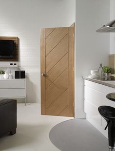 Are you looking for modern interior oak doors? Check our selection of contemporary internal oak doors available from stock. Interior Door Styles, Black Interior Doors, Door Design Interior, Brown Interior, Bedroom Door Design, Bedroom Doors, Contemporary Internal Doors, Internal Wooden Doors, Porte Design
