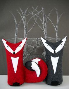Stuffed fox couple detial view