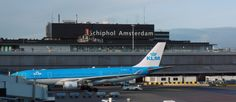 Amsterdam Airport Schiphol (AMS) Airport, Netherlands - WiFi client satisfaction rank 3/10. Download 303 kbps, upload 656 kbps. rottenwifi.com