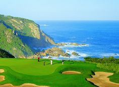Relax with a weekend golf trip to Conrad Pezula.