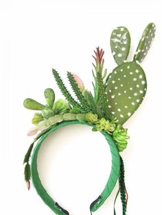 The Effective Pictures We Offer You About Cactus embroidery A quality picture can tell you many things. You can find the most beautiful pictu. art dibujo garden indoor plants drawing appartement bathroom home decor wood room decor Make Carnaval, Costume Carnaval, Carnival Costumes, Diy Girls Costumes, Family Halloween Costumes, Dyi Couture, Cactus Costume, Fairy Dress, Mardi Gras