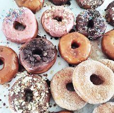Yummy Treats, Sweet Treats, Yummy Food, Pink Treats, Baking Bad, Donut Bar, Food Crush, Weird Food, Donut Recipes