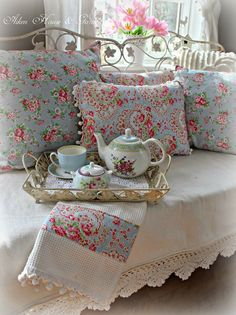 queenbee1924:  (via Aiken House & Gardens | Cath Kidston and Greengate 'style' | Pinterest)