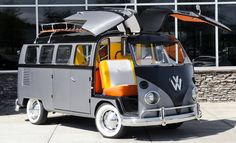 gull wing doors on a bus ♠ re-pinned by http://www.wfpblogs.com/category/toms-blog/