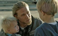 Jax saying good-bye to his boys, Abel & Thomas. (SoA)