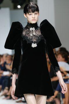 Giambattista Valli Fall 2016 Couture Accessories Photos - Vogue